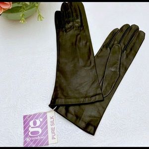 NWT Grandoe Leather Silk Lined Mid-length Gloves